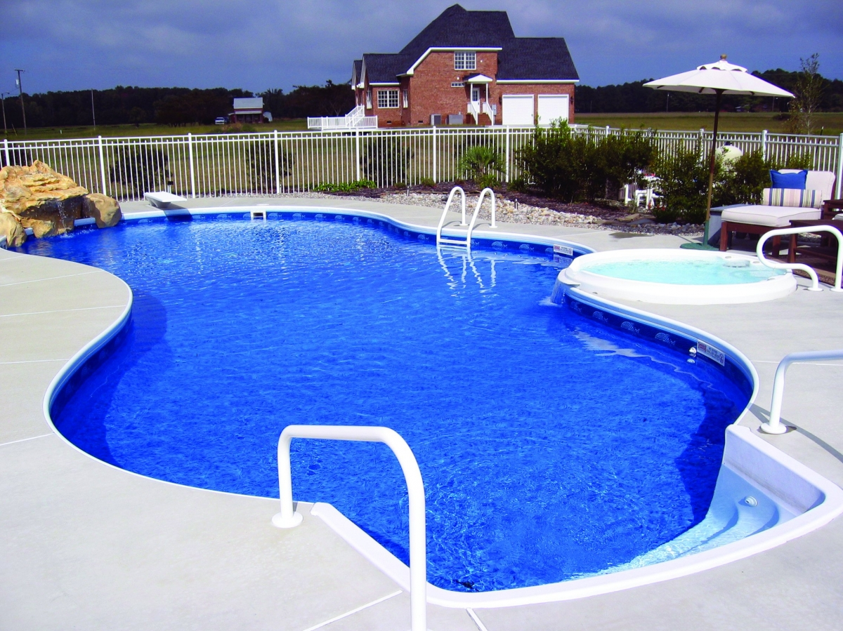 Fox pools photo gallery debnar 39 s pools spas lawn garden for Pool gallery